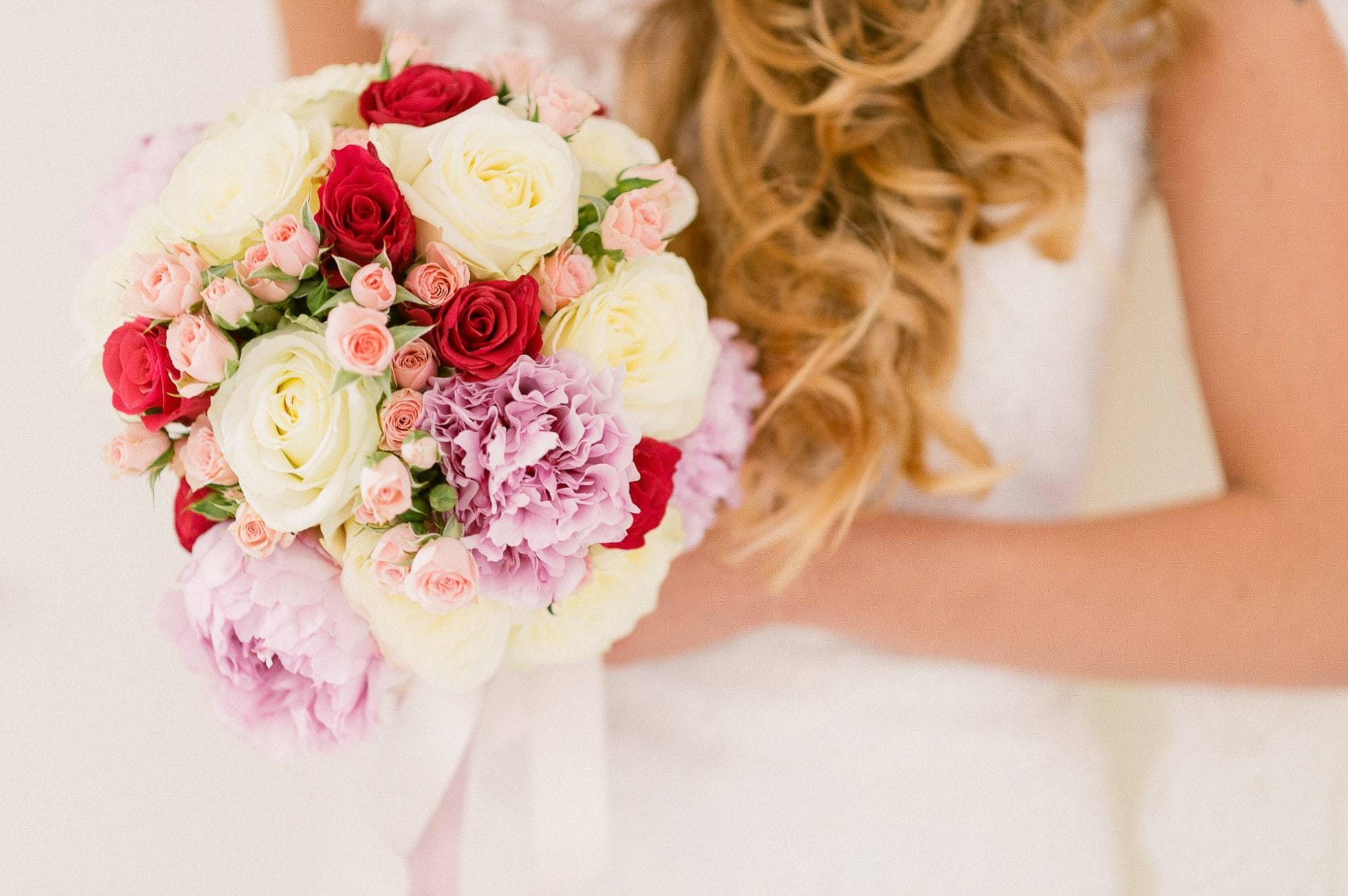 fiori sposa rossi e rosa